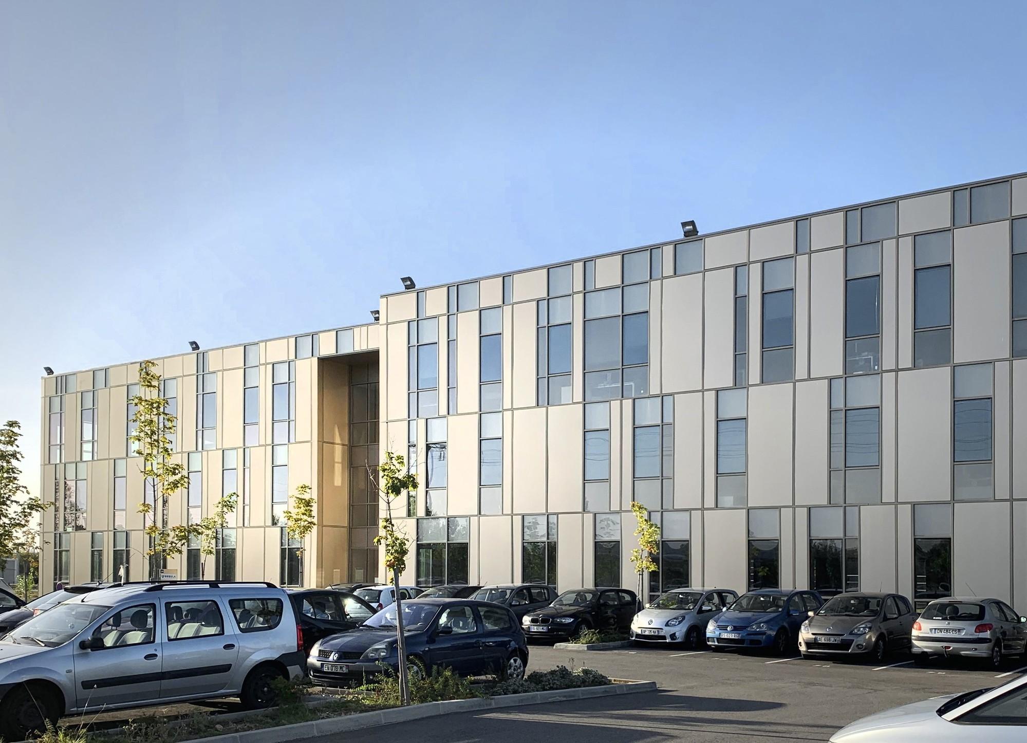Équinox 1 - Vue parking - Toulouse | Lazard Group - Le parc d'affaires des Ramassiers